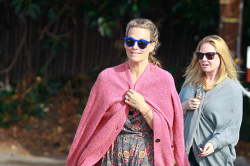Molly Sims Molly Sims Goes Out with Family
