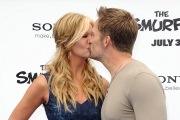 Keith Zubulevish and Nancy O'Dell kissing