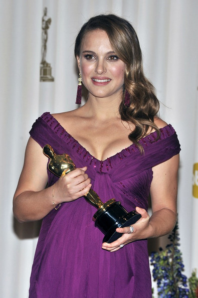 Natalie+Portman+83rd+Annual+Academy+Awards+7BSr famoz6l Natalie Portman Has Given Up Veganism for Pregnancy