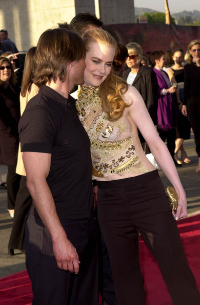 tom cruise and nicole kidman kissing. Tom Cruise and Nicole Kidman - Valentine Kisses 2002. Valentine Kisses 2002
