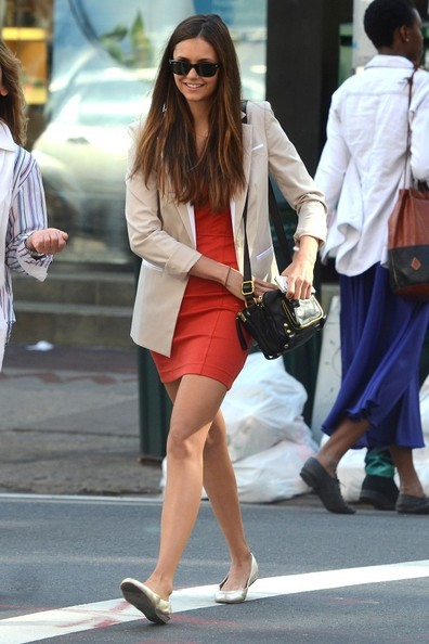 BYLINE: EROTEME.CO.UK.Nina Dobrev and her mom, Michaela Constantine, shop in SoHo.