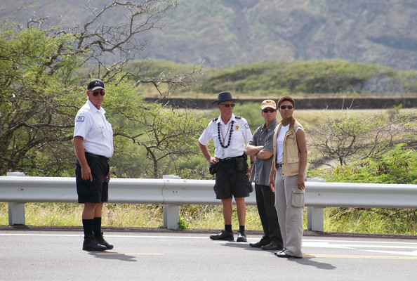 President Barack Obama's motorcade arrives at Hanauma Bay, a popular snorkeling spot.  The park is closed to the public on Tuesdays, allowing the President and his family a private visit.  They also visited the park in August 2008.