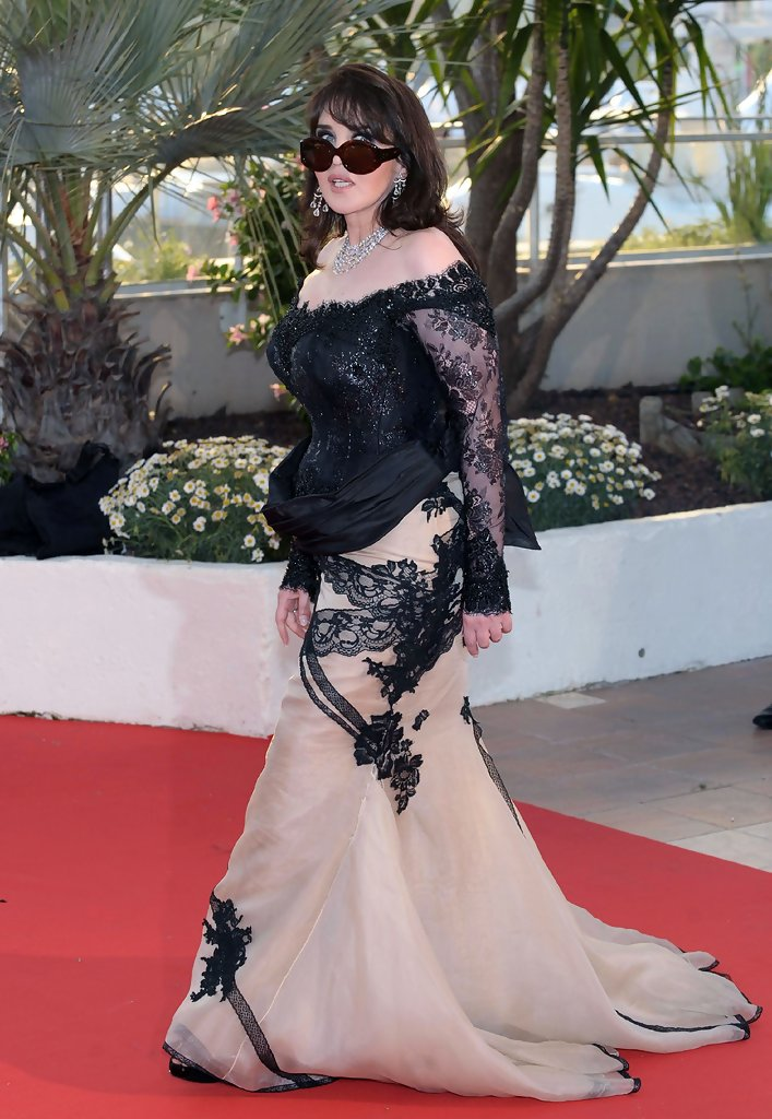 isabelle adjani in palm d 39 or award ceremony photocall at cannes zimbio. Black Bedroom Furniture Sets. Home Design Ideas