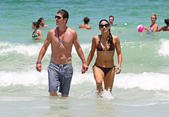 Paula Patton - Robin Thicke and Paula Patton on the Beach
