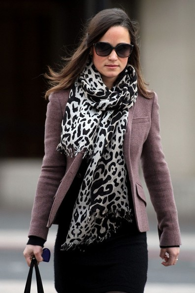 Pippa Middleton - Pippa in a Leopard Print Scarf