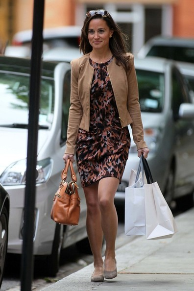 Pippa Middleton ***NO GERMANY/SWITZERLAND RIGHTS***.Pippa Middleton is all smiles as she enjoys a shopping trip in Chelsea.