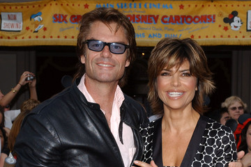 """Lisa Rinna Premiere of """"Pirates of the Caribbean: Dead Man's Chest"""""""