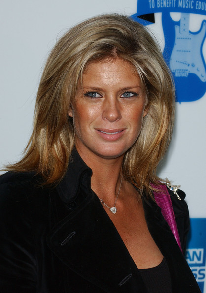 rachel hunter daughter renee stewart
