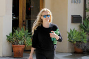 Reese Witherspoon Runs Errands