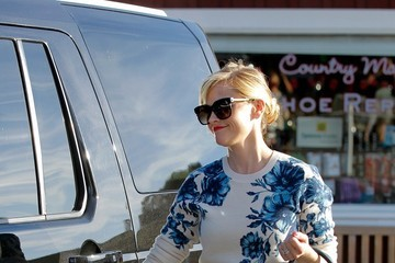 Reese Witherspoon Reese Witherspoon Goes Shopping