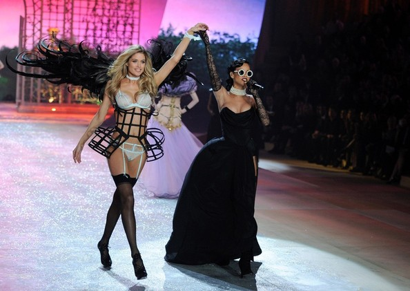 Rihanna Doutzen Kroes walks the runway while Rihanna performs at the 2012 Victoria's Secret Fashion Show..Lexington Avenue Armory, New York, NY..November 7, 2012..Job: 121107A5..(Photo by Axelle Woussen/Bauer-Griffin)