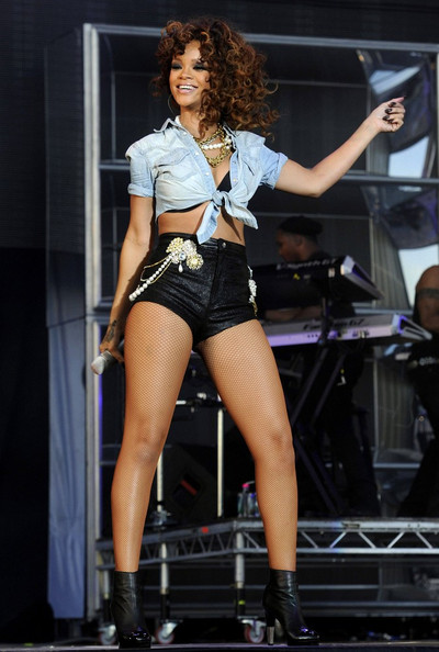 Rihanna in Rihanna Performs at the V Festival