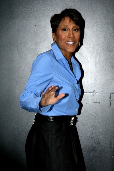 robin roberts hairstyle on Robin Roberts Guests And Hosts Arrive For  Good Morning America