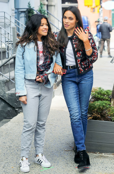 Rosario Dawson And Gina Rodriguez Film Someone Great Zimbio