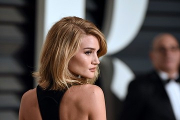 Rosie Huntington-Whiteley Stars at the Vanity Fair Oscar Party