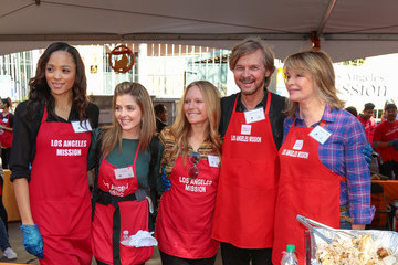 Sal Stowers Celebrities Are Seen at LA Mission Thanksgiving Dinner for the Homeless