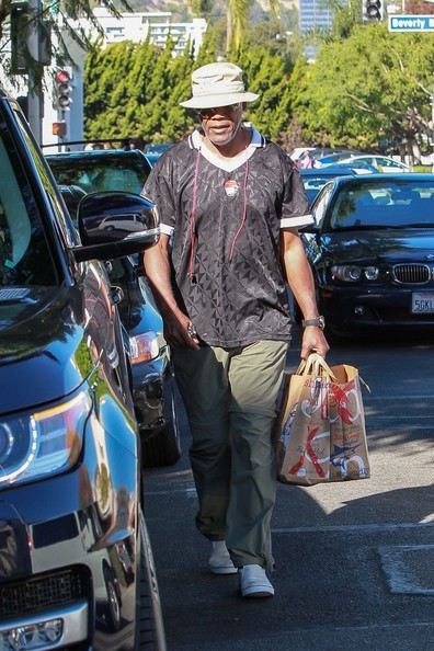 Samuel L. Jackson Goes to the Grocery Store