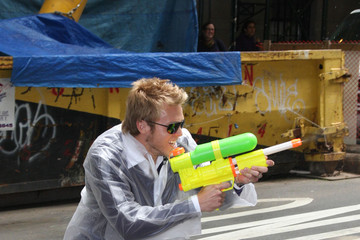 """Spencer Pratt Summer toys on """"Live! with Regis and Kelly"""""""