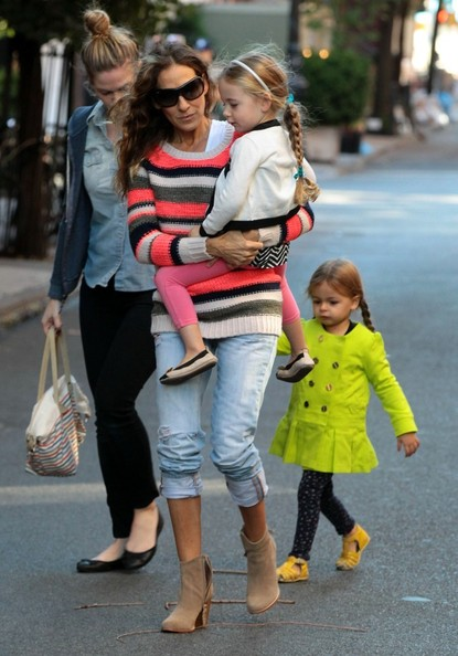 Sarah Jessica Parker Walks Her Girls to School — Part 2