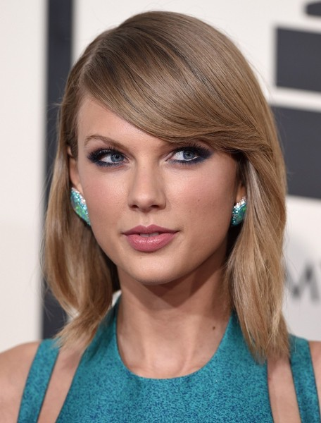 Arrivals at the Grammy Awards []