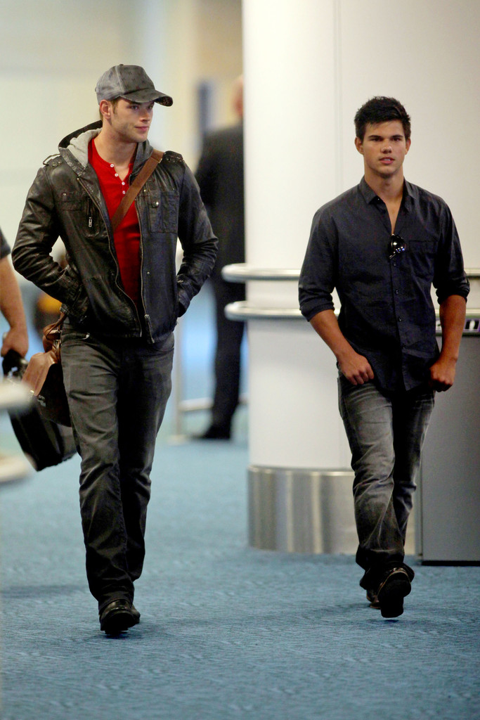 Taylor lautner and kellan lutz