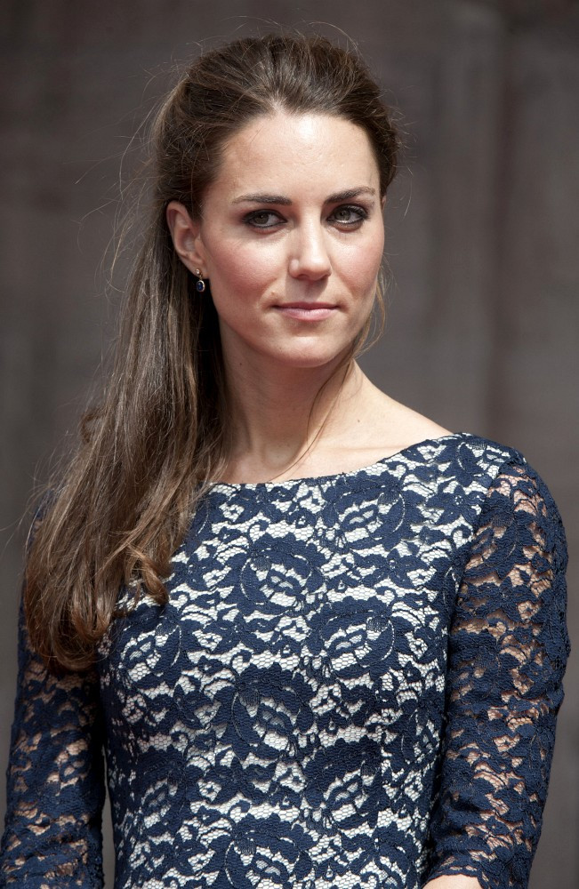 kate middleton photos photos the official royal welcome zimbio. Black Bedroom Furniture Sets. Home Design Ideas