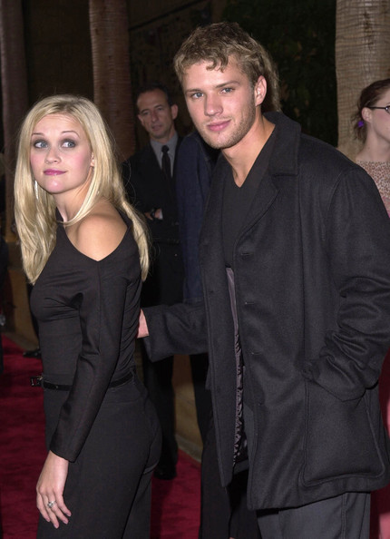 Reese Witherspoon and Ryan PhillippeReese Witherspoon And Ryan Phillippe Kiss