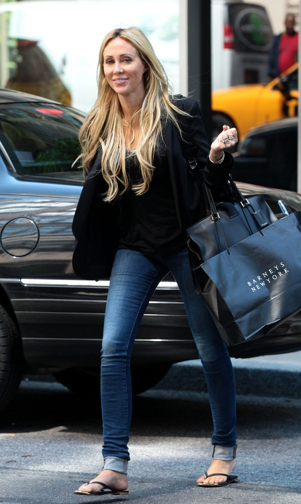 Leticia Cyrus In Tish Cyrus Leaves Her Nyc Hotel Zimbio