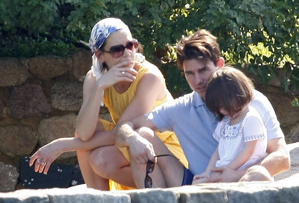 Katie Holmes And Tom Cruise And Suri. Tom Cruise, Katie Holmes and