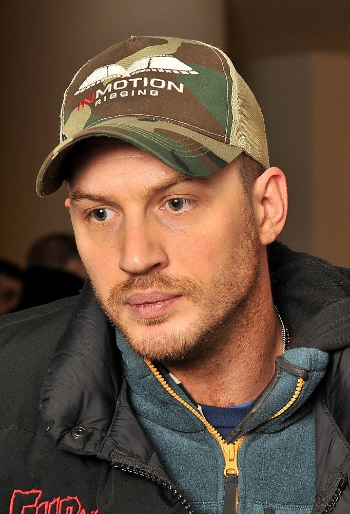 http://www4.pictures.zimbio.com/bg/Tom+Hardy+English+National+Ballet+Nutcracker+UdtFCDp-E9ux.jpg