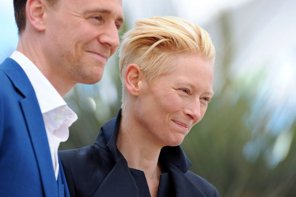 http://www4.pictures.zimbio.com/bg/Tom+Hiddleston+Only+Lovers+Left+Alive+Photo+PWHeyXCrb13x.jpg
