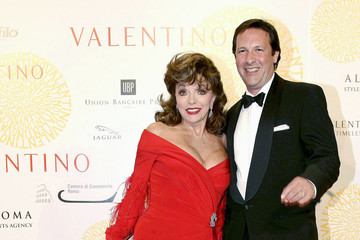 Joan Collins Valentino: 45 years of Couture!