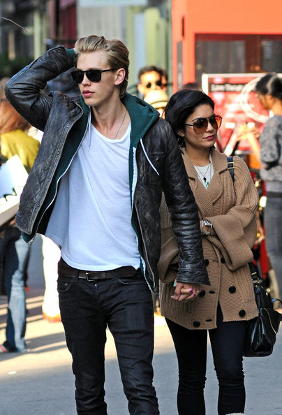 Vanessa hudgens photos photos vanessa hudgens and austin butler in