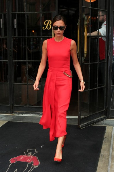 Victoria Beckham Leaves Her Hotel