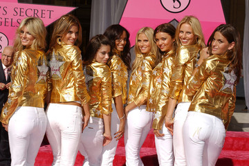 Adriana Lima Victoria's Secret Angels receive Award of Excellence