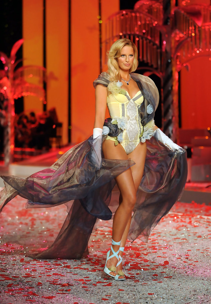 Victoria 39 S Secret Fashion Show 2008 Zimbio