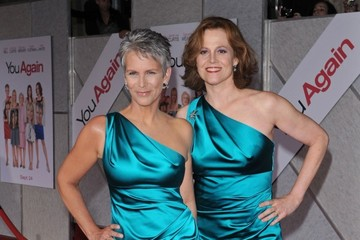 "Sigourney Weaver Jamie Lee Curtis ""You Again"" World Premiere"