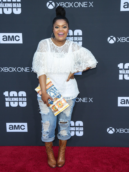 yvette nicole brown feet