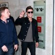 Zac Efron Brings Peace to London