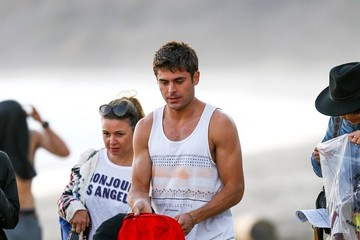 Zac Efron Zac Efron Goes Shirtless on Set