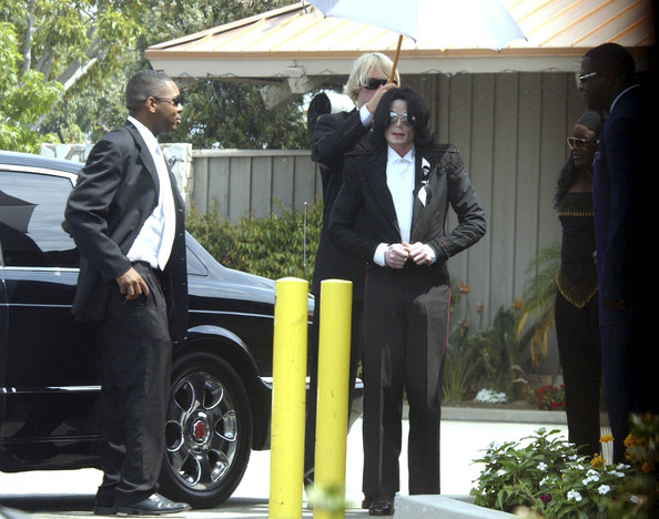 Michael Jackson Scattering Of Barry White S Ashes Zimbio