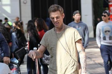 Aaron Carter Aaron Carter Out For a Walk With His Dog in Beverly Hills