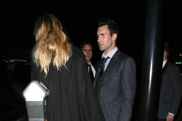 Adam Levine Anne V Adam Levine And Anne Vyalitsyna Out For Dinner At Mastro's Steakhouse