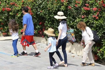 Adam Sandler Adam Sandler & Family Lunch In Zuma On Memorial Day
