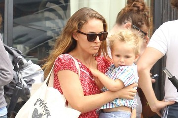 Aleph Portman-Millepied Natalie Portman & Family Out For Lunch In Venice