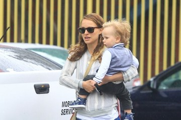 Aleph Portman-Millepied Natalie Portman Carries Her Son in Los Feliz