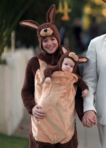 Alyson Hannigan and Baby Kangaroo On Halloween [baby kangaroo,mammal,vertebrate,head,costume,smile,headgear,fun,ear,product,rabits and hares,alyson hannigan,alexis denisof,satyana,family,costume,kangaroo outfits,costume,baby kangaroos,haloween,alyson hannigan,costume,kangaroo,infant,child,halloween costume,halloween,baby kangaroos]