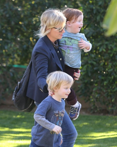 Amy Poehler Takes Her Boys To A Birthday Party