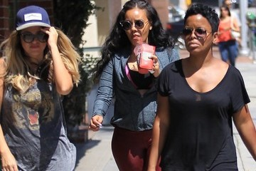 Angela Simmons Pregnant Angela Simmons Pays a Visit to a Doctor's Office