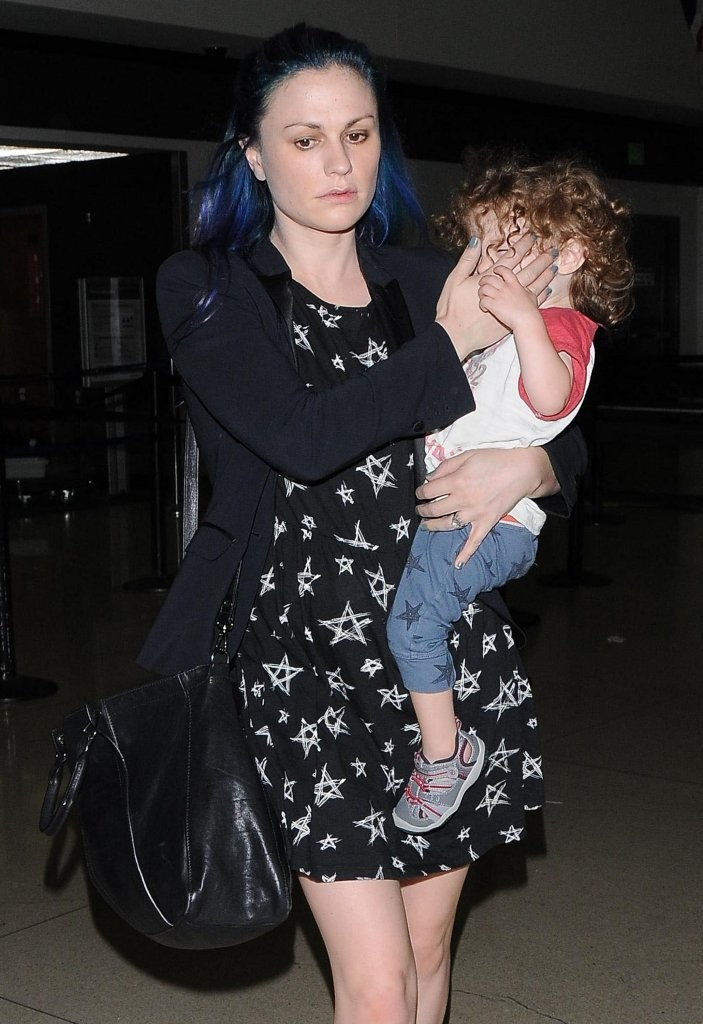 Photo of Anna Paquin & her Son  Charlie Moyer